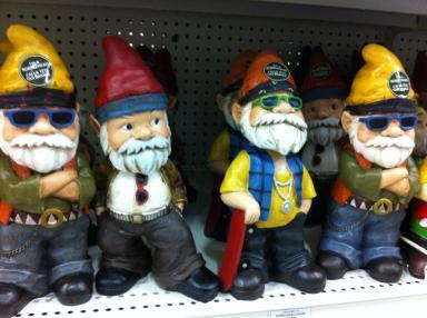 Gartenzwerg-Gang mit Wackeldackel-Kopf! Ich finde sowas ja super, aber meine Frau hat nichts übrig für so Kitsch